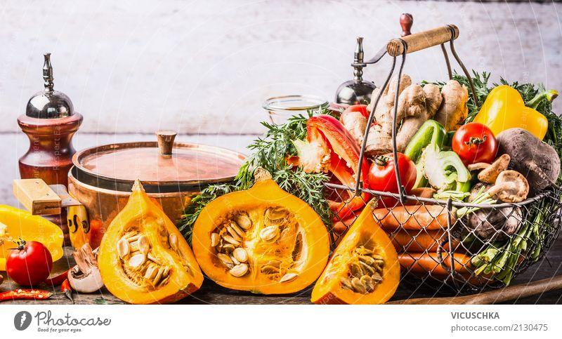 Herbst saisonale Gerichte Kochen Lebensmittel Gemüse Suppe Eintopf Kräuter & Gewürze Ernährung Bioprodukte Vegetarische Ernährung Diät Geschirr Topf Stil Design