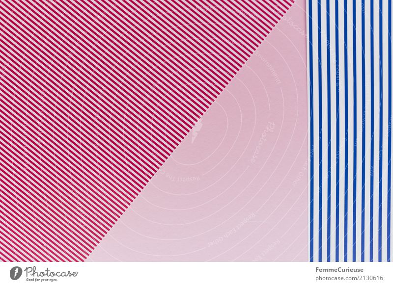 Muster (10) Papier Zettel mehrfarbig rot-weiß rosa blau-weiß Vogelperspektive graphisch Geometrie Strukturen & Formen Design Bastelmaterial Dreieck Rechteck