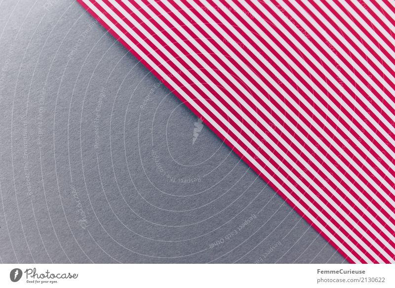 Muster (03) Papier mehrfarbig Farbstoff Farbenspiel Basteln Bastelpapier rot-weiß gestreift Streifen grau Karton graphisch Geometrie Rechteck