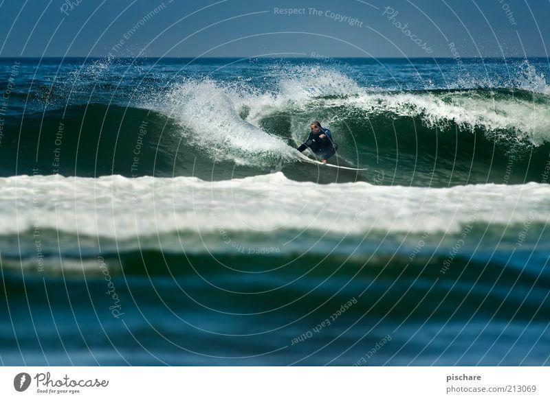 Wellenbrecher Mann Natur Wasser blau Sommer Freude Meer Ferne Sport Erwachsene Freizeit & Hobby ästhetisch Lifestyle Coolness Leidenschaft