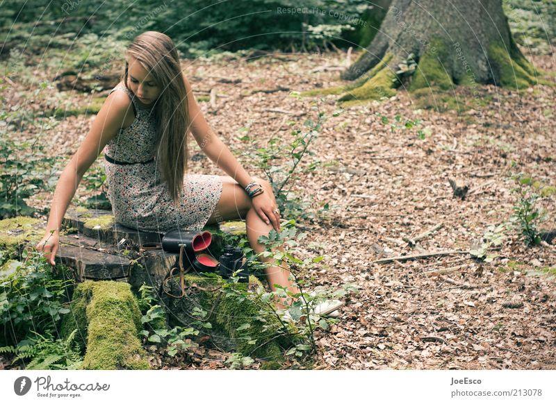 jugend forscht 03 Frau Mensch schön Baum Pflanze Erwachsene Einsamkeit Wald Erholung Leben Spielen Gefühle Gras Freizeit & Hobby blond warten