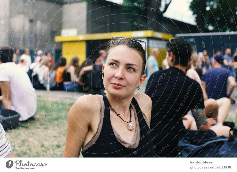 Wish your eyes could take photos feminin androgyn Homosexualität Lächeln Liebe Blick elegant Fröhlichkeit Solidarität Liebesaffäre Sicherheit Kraft