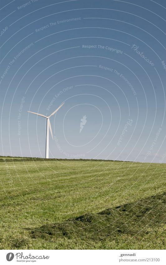 Windstille, auch Flaute genannt Umwelt Natur Landschaft Erde Luft Himmel Wolkenloser Himmel Horizont Sommer Schönes Wetter Gras Stromkraftwerke Elektrizität