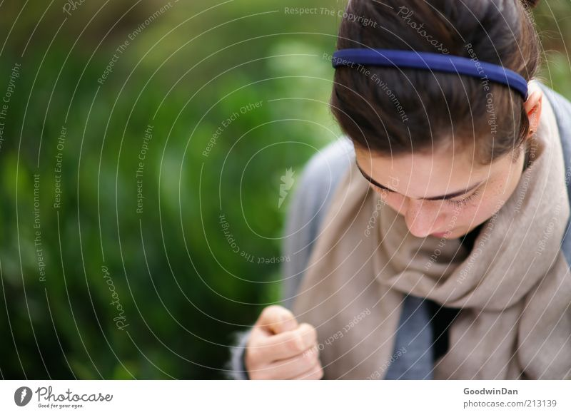 Ich schreibe dir..II Mensch feminin Junge Frau Jugendliche Partner 1 18-30 Jahre Erwachsene Bekleidung Haarreif Haare & Frisuren brünett atmen festhalten sitzen