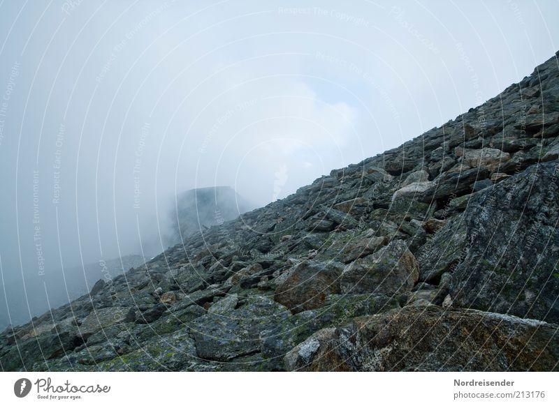 Ein steiniger Weg Natur Wolken ruhig Freiheit Berge u. Gebirge Landschaft Wege & Pfade Stein Luft Wetter Freizeit & Hobby Ausflug Nebel Felsen Klima natürlich