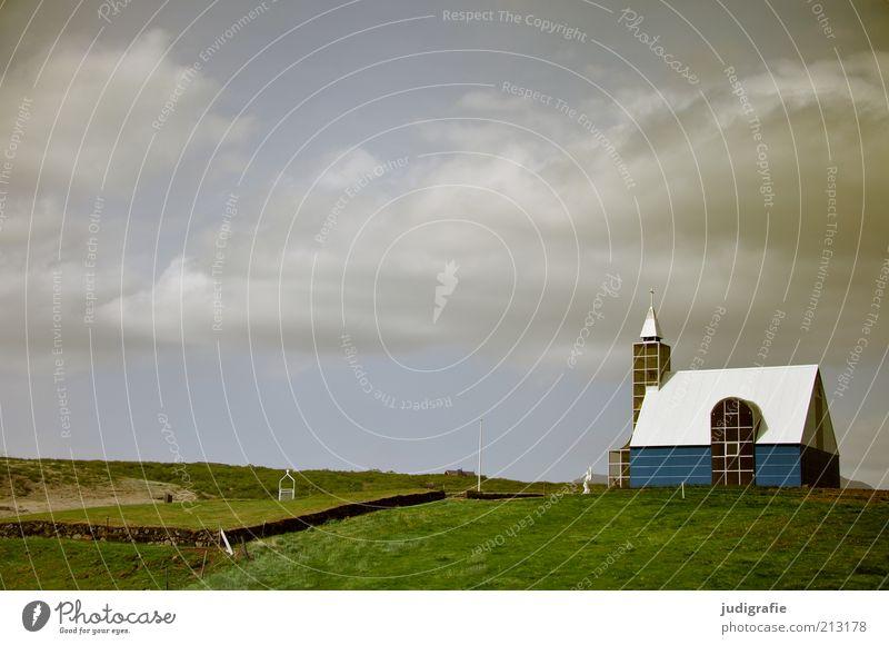 Island Natur Himmel Wolken Ferne dunkel Wiese Gebäude Stimmung Religion & Glaube Architektur Umwelt Hoffnung trist Kirche einzigartig Bauwerk