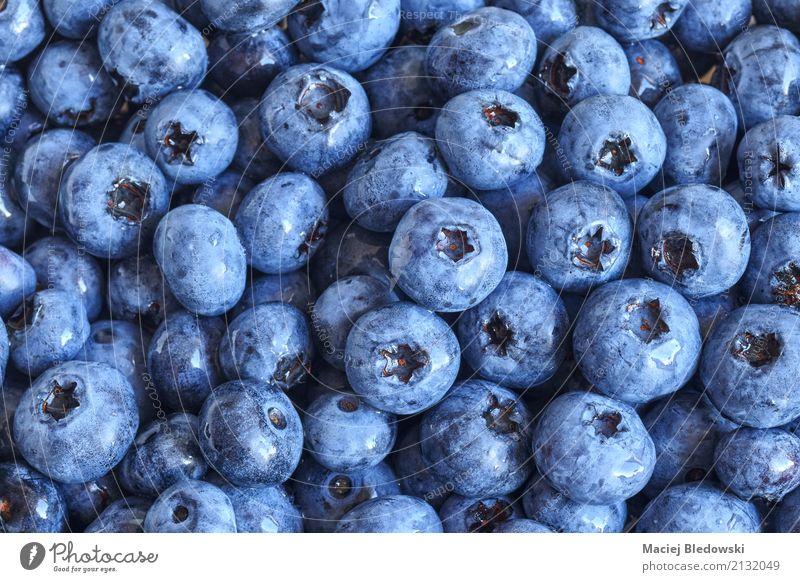frische Blaubeeren Frucht Ernährung Essen Bioprodukte Vegetarische Ernährung Diät Sommer Natur saftig blau Gesundheit Lebensmittel Beeren organisch reif roh