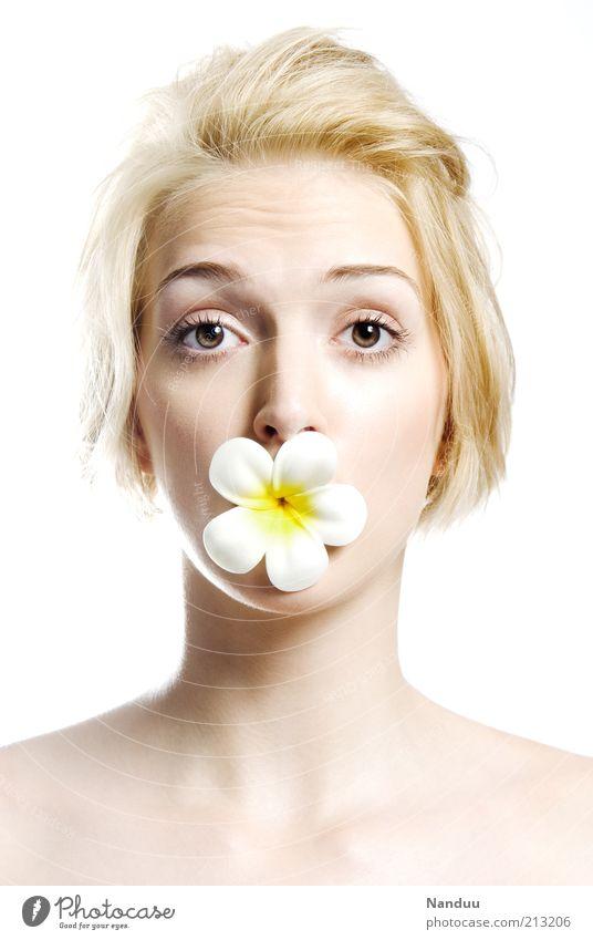Sag's durch die Blume Mensch Jugendliche schön Erwachsene Gesicht feminin sprechen Gefühle Blüte lustig blond Haut frisch ästhetisch Fröhlichkeit
