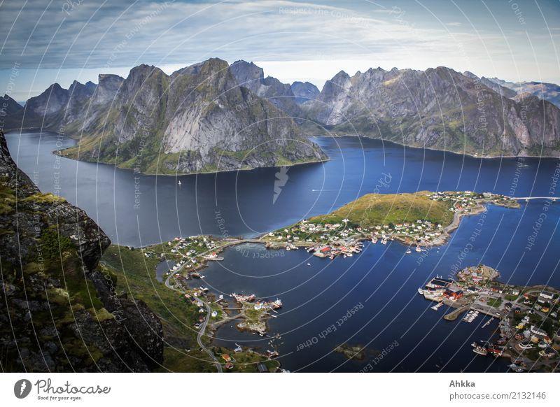 Reine, Lofoten, Skandinavien Ferien & Urlaub & Reisen Ausflug Abenteuer Ferne Landschaft Urelemente Felsen Gipfel Fjord Meer Insel Fischerdorf exotisch