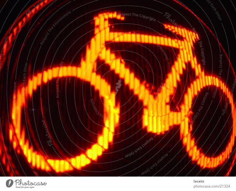 red bike Fahrrad Ampel rot Licht Lampe Elektrisches Gerät Technik & Technologie orang Signal