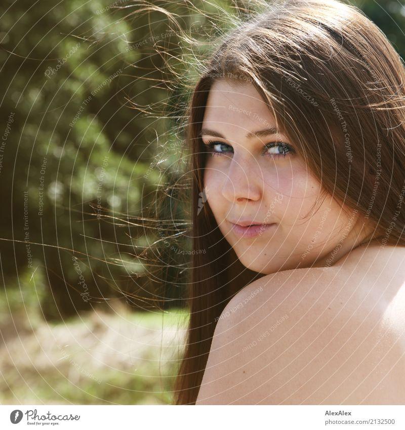 so seitlich von hinten Jugendliche Junge Frau schön Landschaft Erotik 18-30 Jahre Gesicht Erwachsene Liebe feminin Glück Ausflug ästhetisch authentisch