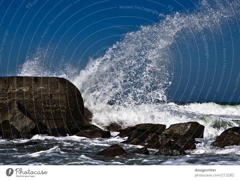 WUSCH! Wasser Wellen Strand Riff Nordsee Meer Brandung Gischt Buhne Mauer Wand Anlegestelle Bunker Stein Deich wild Kraft Macht Tatkraft Sicherheit Schutz