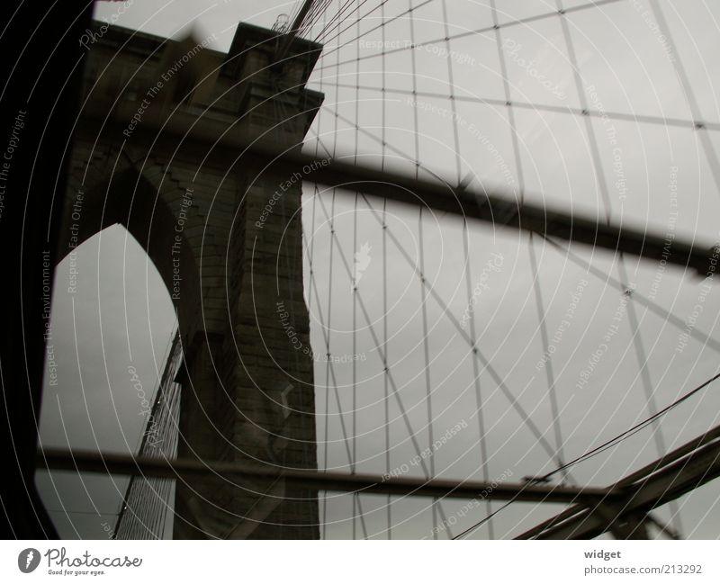 Bedeutungsschweres Wetter and the City Ferien & Urlaub & Reisen Ferne dunkel Wand grau Mauer Tourismus Brücke trist USA New York City Tor historisch Wahrzeichen