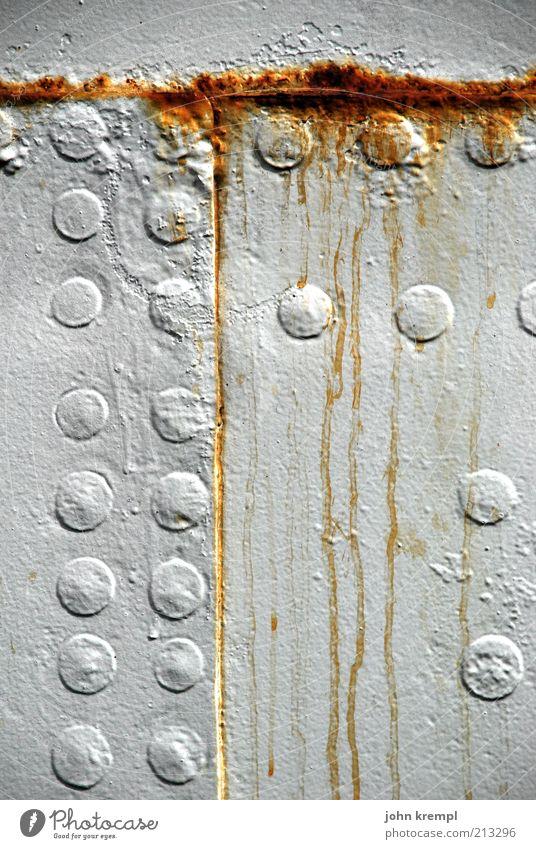white wedding alt weiß Metall Güterverkehr & Logistik kaputt Vergänglichkeit Stahl Verfall trashig Rost Schifffahrt Fleck Nostalgie Lack Textfreiraum Niete