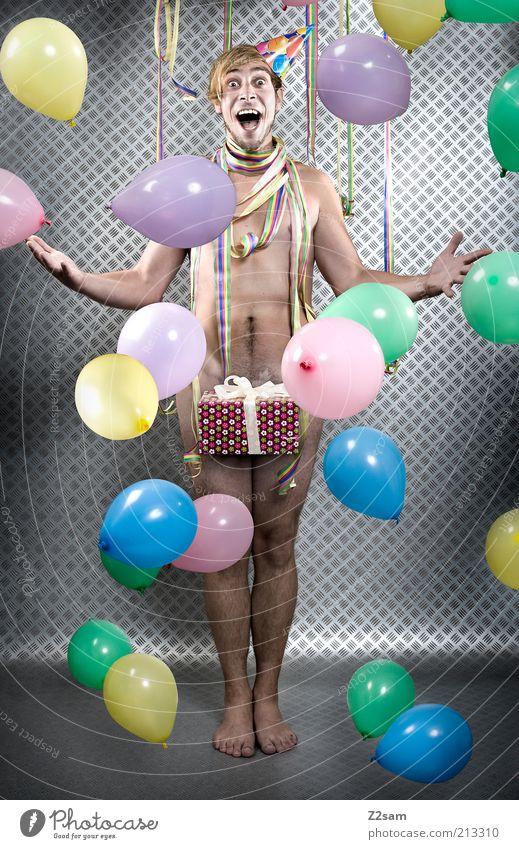 HAPPY BIRTHDAY Mensch Jugendliche Freude Leben Glück Party Erwachsene lustig Feste & Feiern Geburtstag Fröhlichkeit maskulin verrückt stehen Luftballon einzigartig