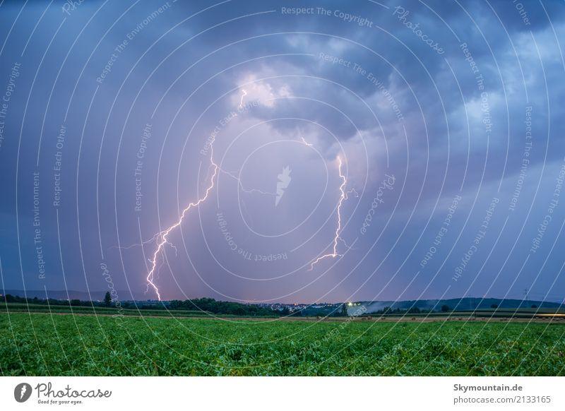 Starkstrom Umwelt Natur Wolken Gewitterwolken Nachthimmel Sommer Herbst Klima Klimawandel Wetter Schönes Wetter schlechtes Wetter Unwetter Wind Sturm Regen