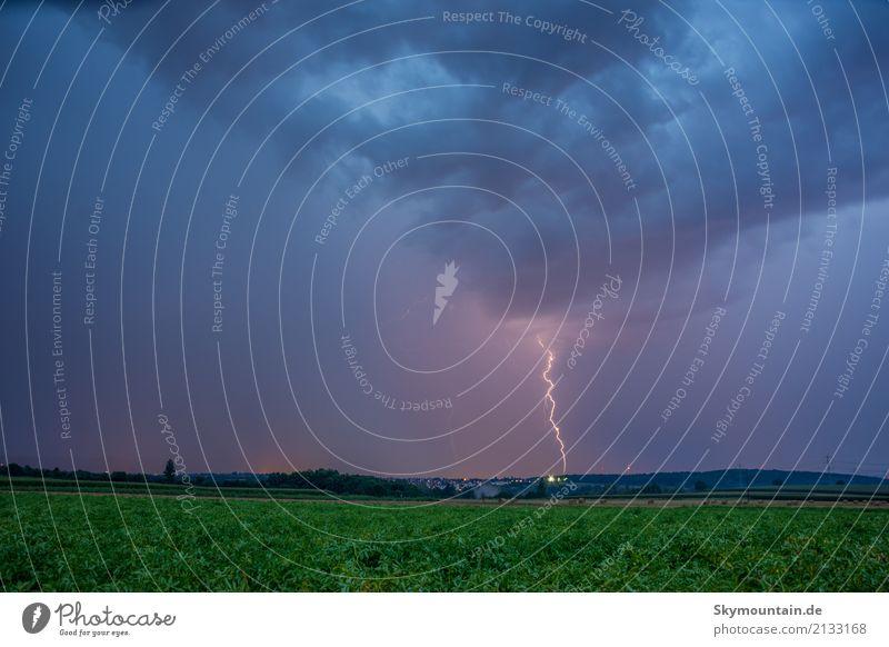Blitz und Donner Umwelt Natur Landschaft Wolken Gewitterwolken Nachthimmel Sommer Herbst Klima Klimawandel Wetter Schönes Wetter schlechtes Wetter Unwetter Wind