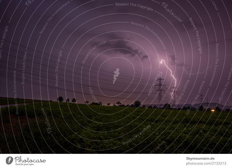 Hochspannungsleitung Umwelt Natur Landschaft Wolken Gewitterwolken Nachthimmel Sommer Herbst Klima Klimawandel Wetter Schönes Wetter schlechtes Wetter Unwetter