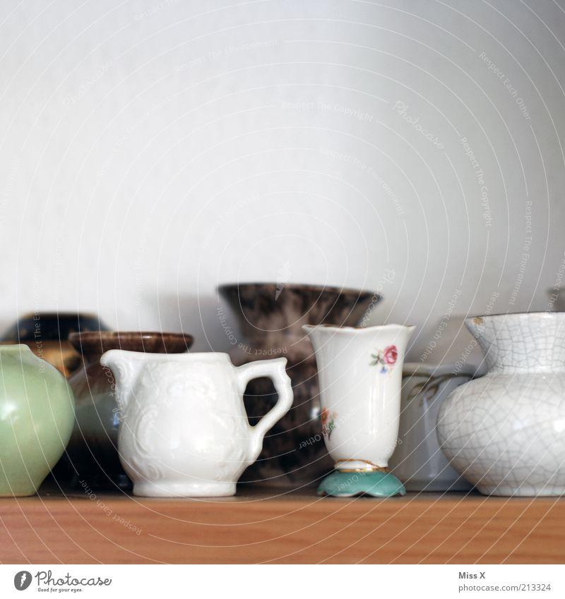 Mini-Vasen klein Kitsch Dekoration & Verzierung Sammlung Nostalgie antik zerbrechlich Anschnitt Bildausschnitt Kannen Keramik Porzellan Krimskrams Antiquität