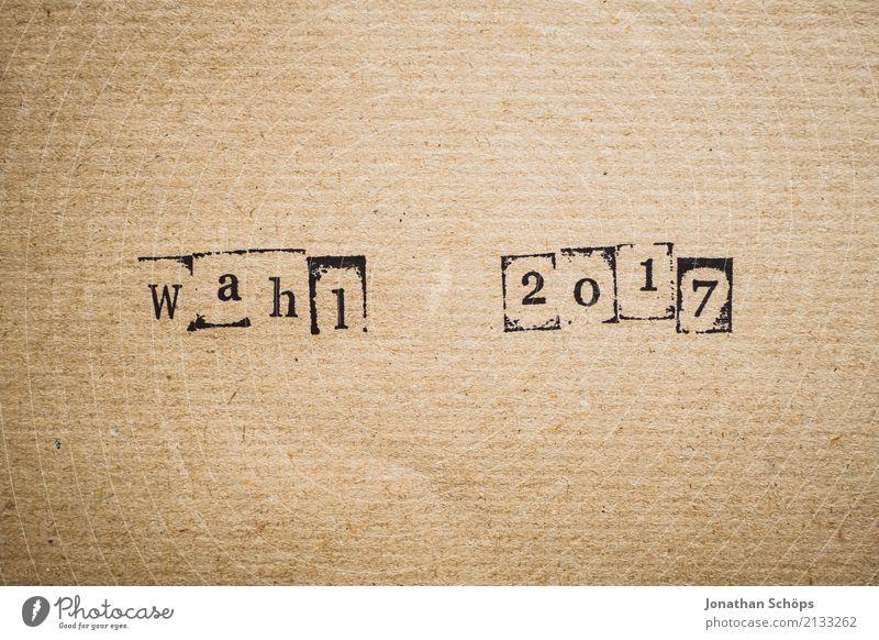 Wahl 2017 Entschlossenheit Text wählen Wahlen Entscheidung unentschlossen Typographie Schriftzeichen Holz Stempel Parteien wichtig entschieden Parlament