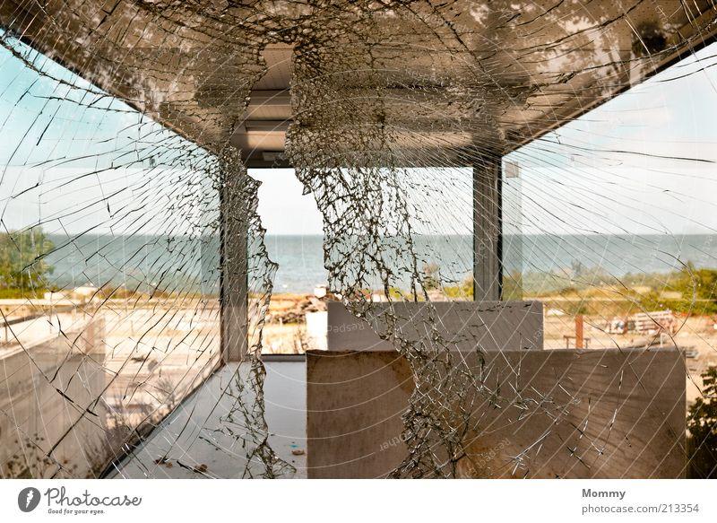 Broken Glass Wasser Himmel Meer Sommer Landschaft Küste Wetter kaputt Riss Zerstörung Durchblick Einbruch Glasscheibe Schaden gerissen