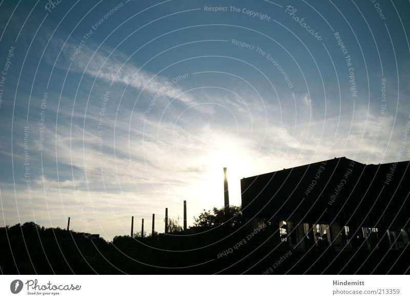 Aufrechter Niedergang alt blau schwarz Umwelt Gebäude Stadt Essen groß ästhetisch kaputt Wandel & Veränderung Bauwerk Vergänglichkeit Fabrik Denkmal historisch