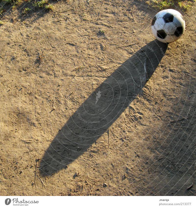 Futbol Freude Sport Spielen Gras Sand Freizeit & Hobby Erde dreckig Fußball Zeichen Kugel positiv Mensch Verlierer Gefühle