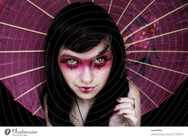 Junge Frau mit einem Geishakostüm Stil exotisch schön Haut Gesicht Schminke Lippenstift Nagellack Feste & Feiern Karneval Halloween Mensch feminin Jugendliche 1