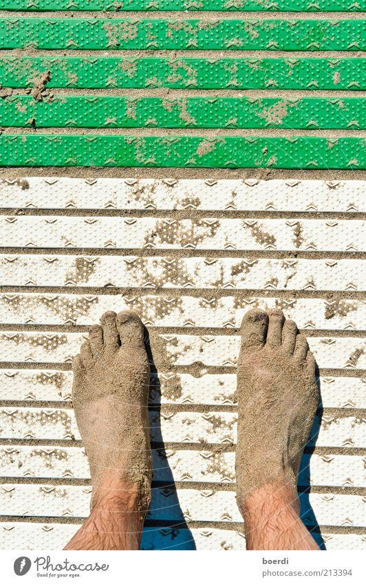 öKo Ferien & Urlaub & Reisen Tourismus Sommer Sommerurlaub Strand Fuß Sand stehen dreckig nass grün weiß standhaft Freizeit & Hobby stagnierend Zehen gestreift