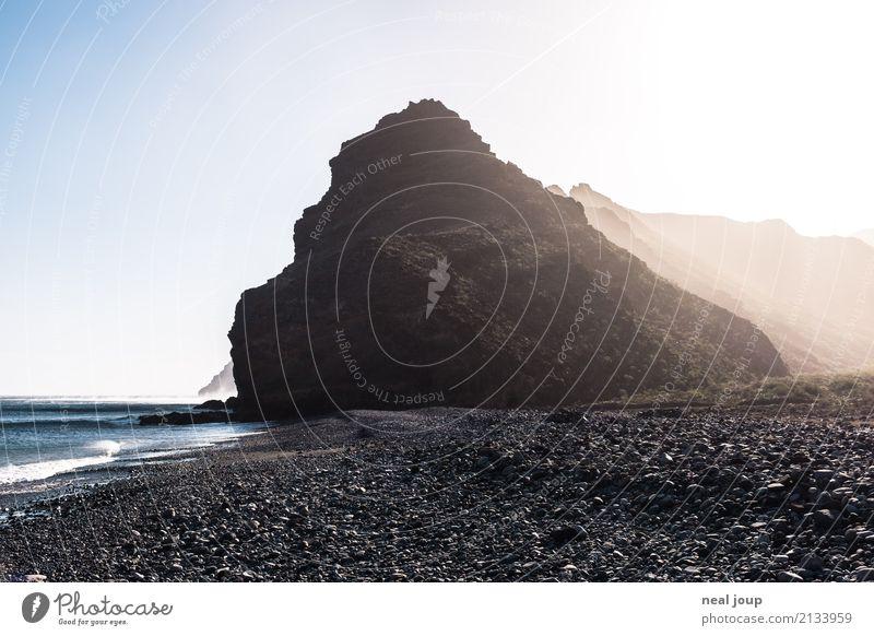 The Rock Natur Urelemente Berge u. Gebirge Küste Insel Gomera Felsen bedrohlich dunkel frei nass wild Einsamkeit Respekt Endzeitstimmung entdecken Erholung