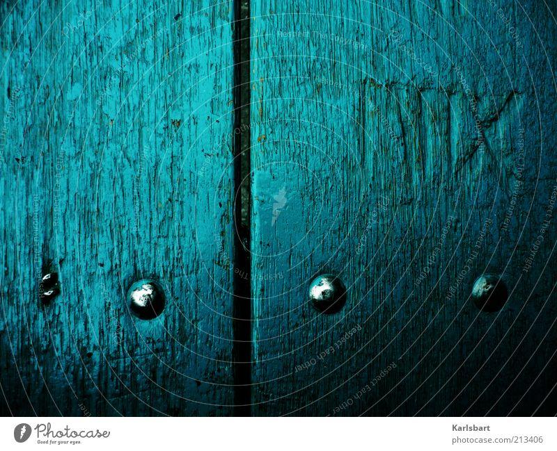 MIIX. Stil Holz Metall Zeichen Schriftzeichen Ziffern & Zahlen Kreuz Linie blau Niete Mittelalter Farbfoto Außenaufnahme Nahaufnahme Detailaufnahme Experiment