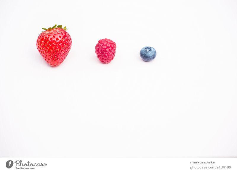 Beeren Dreierlei Lebensmittel Erdbeeren Himbeeren Blaubeeren Ernährung Essen Mittagessen Picknick Bioprodukte Vegetarische Ernährung Diät Fasten Slowfood
