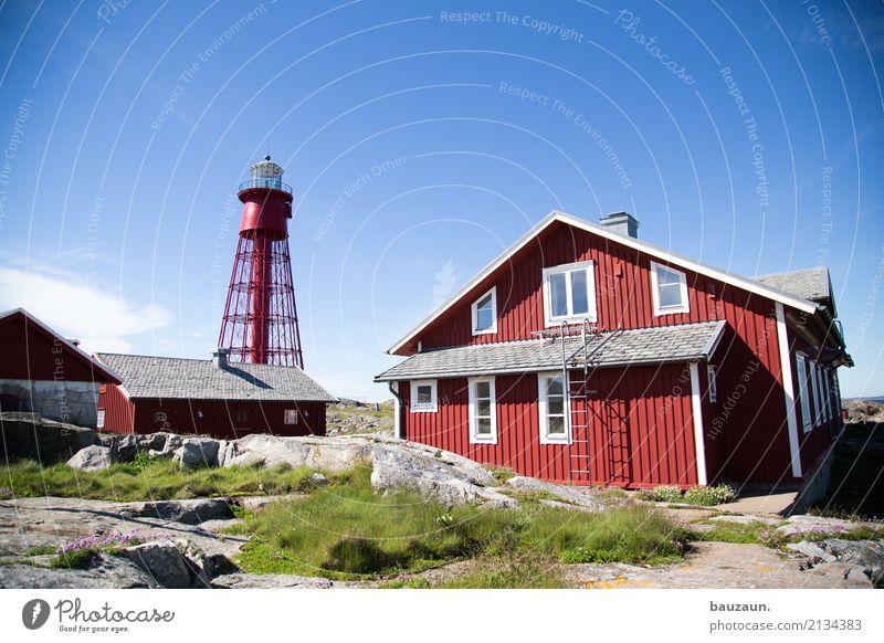 :-) Häusliches Leben Wohnung Haus Umwelt Natur Pflanze Tier Erde Himmel Schönes Wetter Gras Felsen Küste Meer Insel Schweden Dorf Traumhaus Hütte Leuchtturm