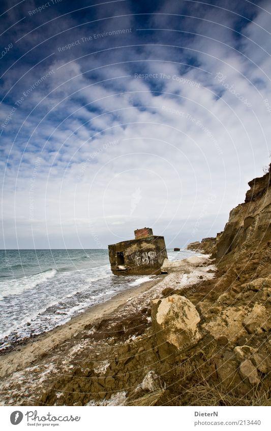 Bunker Natur Wasser Himmel weiß Meer blau Winter schwarz Wolken Schnee Stein Gebäude Sand Landschaft Luft Eis