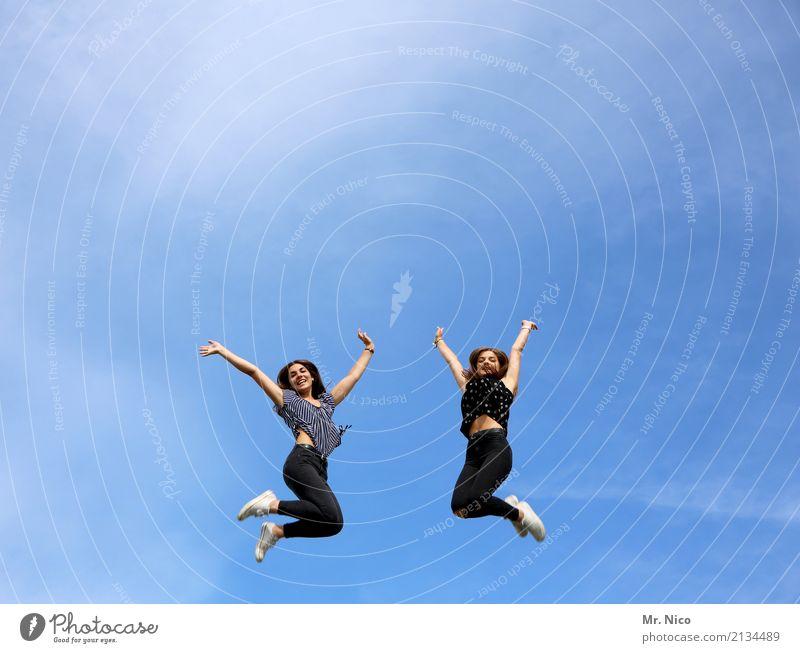 Haltungsnote 8,5 sportlich Fitness Freiheit Sommer feminin Geschwister 2 Mensch 18-30 Jahre Jugendliche Erwachsene Himmel Schönes Wetter langhaarig Bewegung