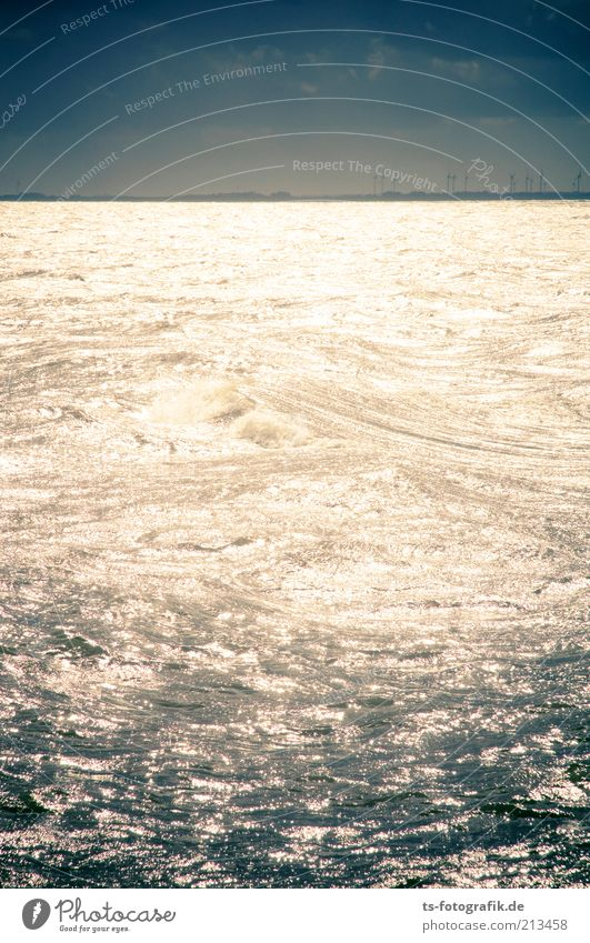 Nordsee ist Leuchtsee Natur Wasser Himmel Meer blau Ferien & Urlaub & Reisen Wolken Ferne dunkel Freiheit grau Küste Wellen glänzend Wind Wetter