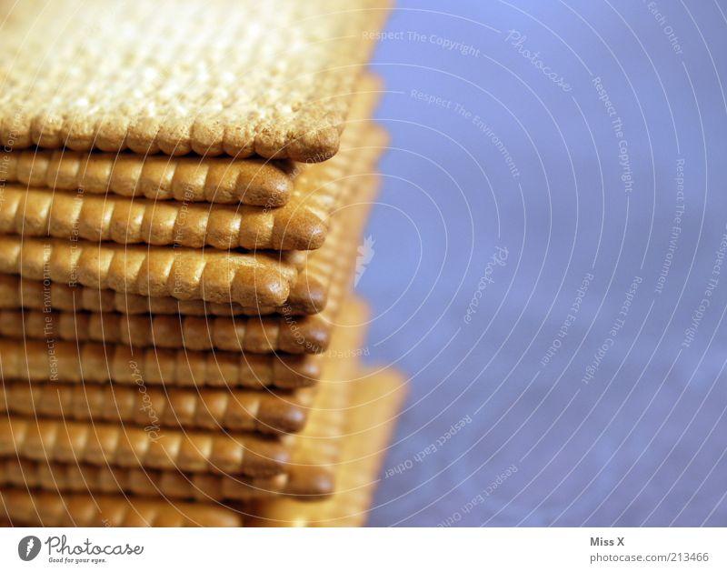 Hochstapler Lebensmittel Ernährung süß trocken lecker Süßwaren Backwaren Stapel Teigwaren Keks ungesund Zacken knackig Kalorie knusprig Kalorienreich