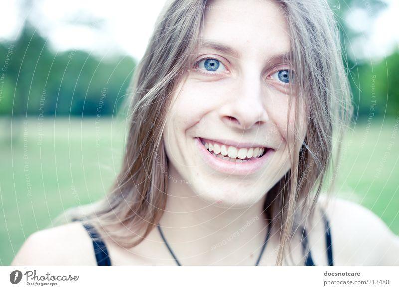 sonrisa. Mensch feminin Junge Frau Jugendliche Erwachsene Gesicht 1 18-30 Jahre Lächeln Freude Lebensfreude Freundlichkeit Porträt Farbfoto Außenaufnahme Tag