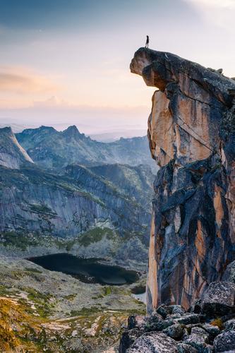 Am Rande der Welt Erholung Meditation Ferien & Urlaub & Reisen Tourismus Ausflug Abenteuer Ferne Freiheit Expedition Berge u. Gebirge wandern Klettern