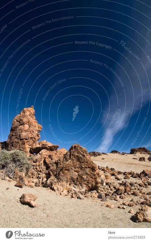 Zeichen Ferien & Urlaub & Reisen Ausflug Landschaft Urelemente Erde Sand Himmel Wolken Schönes Wetter Berge u. Gebirge Vulkan blau Farbfoto Außenaufnahme