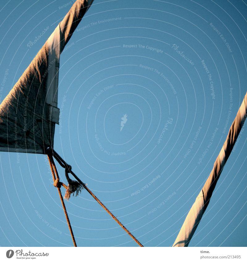 Flaute Himmel blau Seil diagonal Spannung Segel Segelboot Blauer Himmel Zweck Windstille Haken Abhängigkeit Befestigung Funktion gespannt spreizen