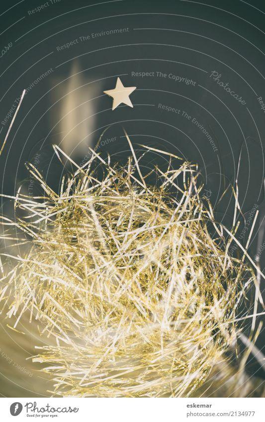 abstrahierter Weihnachtsbaum aus Lametta Lifestyle Dekoration & Verzierung Feste & Feiern Weihnachten & Advent Kitsch Krimskrams Engelshaar Stern (Symbol)