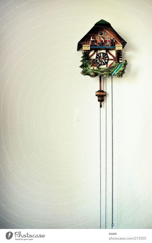 Kuckkuck alt ruhig Wand Holz Zeit Häusliches Leben Dekoration & Verzierung Zufriedenheit Uhr Kitsch Vergangenheit Tradition hängen Sammlung Wohnzimmer Tapete