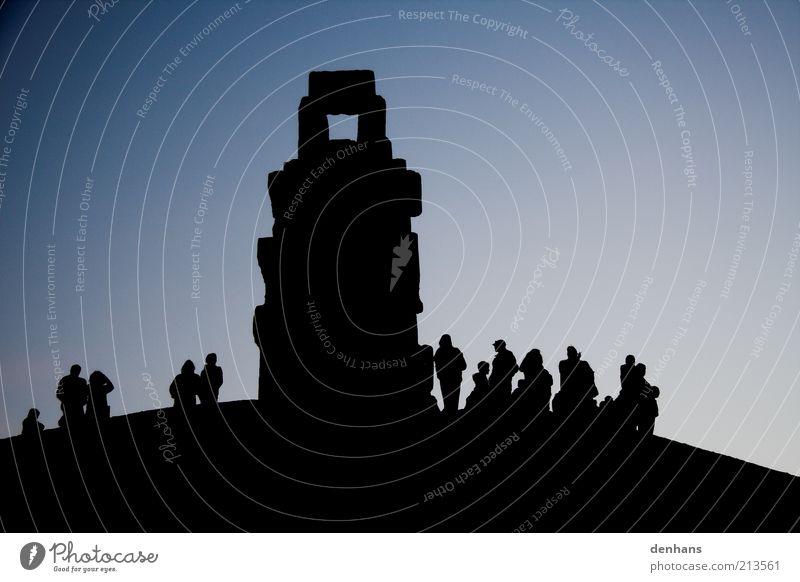 Himmelsleiter Tourismus Ferne Freiheit wandern Veranstaltung Mensch Leben Menschengruppe Kunst Kunstwerk Skulptur Landschaft Erde Wolkenloser Himmel
