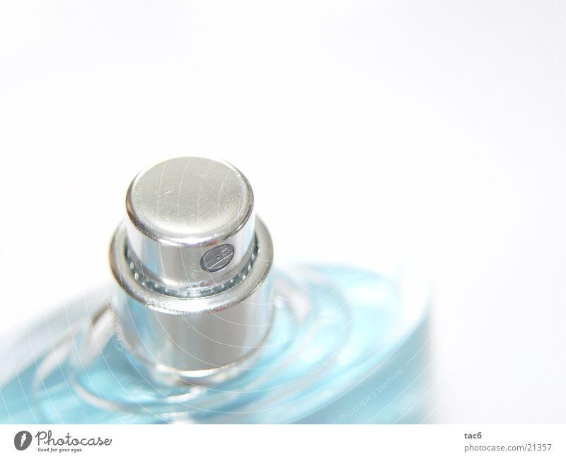 pure life Spray Aftershave glänzend Makroaufnahme Nahaufnahme Flasche