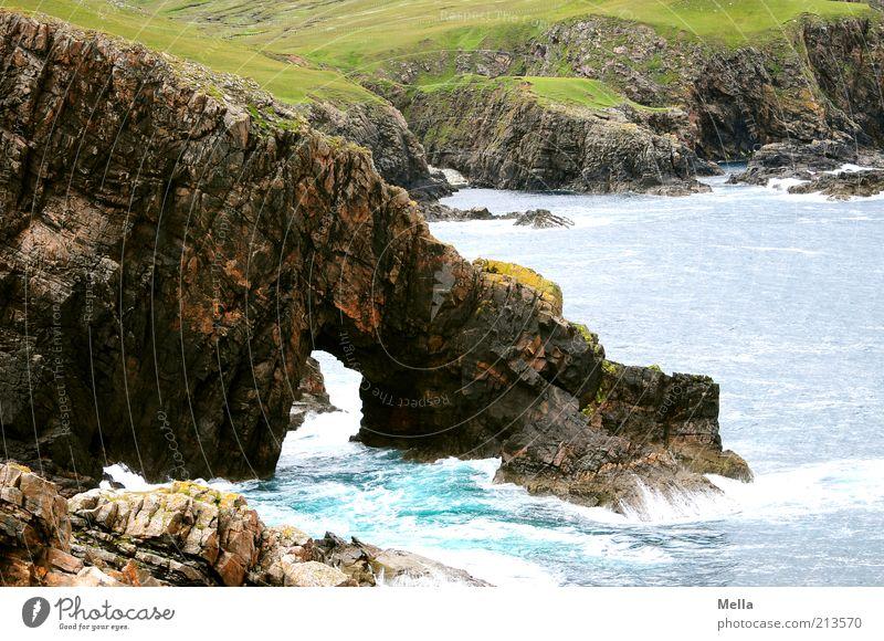Alles im Fluss Umwelt Natur Landschaft Urelemente Felsen Wellen Küste Bucht Meer Klippe natürlich blau braun grün bizarr Wandel & Veränderung Zeit fließen