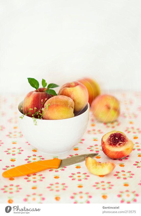 Pfirsiche Ernährung Lebensmittel Frucht frisch süß lecker mehrfarbig Diät Bioprodukte Schalen & Schüsseln Messer fruchtig Pfirsich vitaminreich Gesunde Ernährung