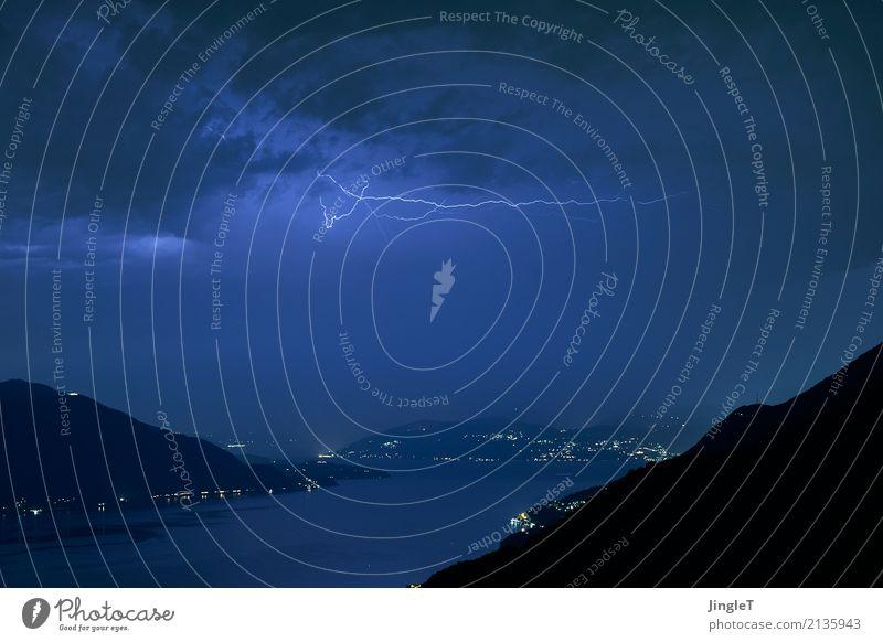 feine linien Umwelt Natur Landschaft Wasser Himmel Sommer Klima Gewitter Blitze Berge u. Gebirge See außergewöhnlich wild blau schwarz weiß schön einzigartig