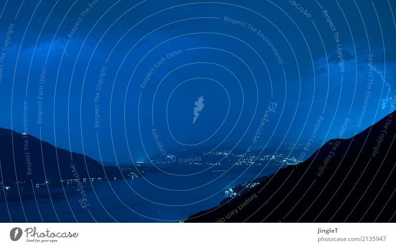 blue lightning Umwelt Natur Landschaft Urelemente Himmel Wolken Gewitterwolken Sommer schlechtes Wetter Unwetter Blitze See Lago Maggiore blau schwarz türkis