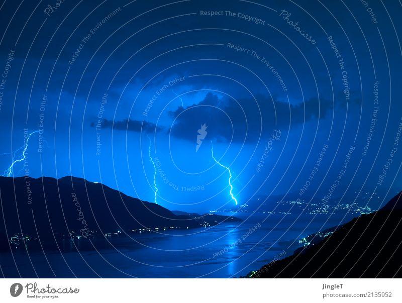 Kontaktbörse Umwelt Natur Landschaft Urelemente Wasser Himmel Wolken Gewitterwolken Wetter Unwetter Regen Blitze Berge u. Gebirge See Lago Maggiore Kraft